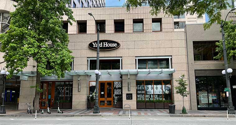 Yard House Restaurant Storefront